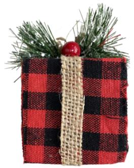 Enfeite de caixa de presente de Natal xadrez com pinha e azevinho