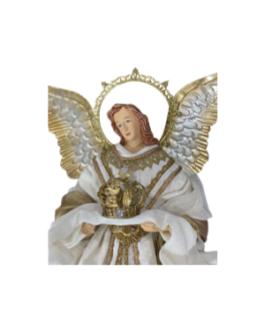 Anjo segurando coroam com auréola e asas em dourado e branco