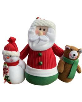 Boneco Papai Noel com boneco de neve e urso