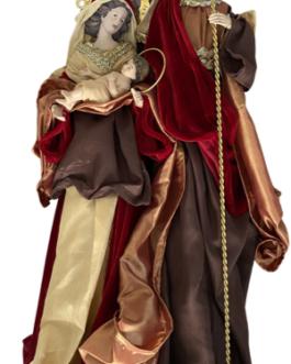 Sagrada Família com vestes em tons terrosos e vermelho escuro, detalhes em dourado