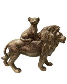 Leão com filhote na cor cobre