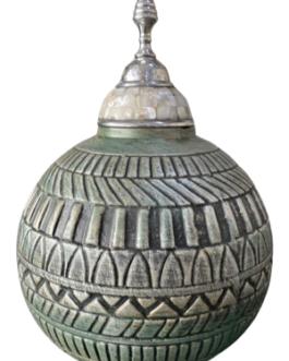 Pote Tbilisi com ponta de metal e madrepérolas.